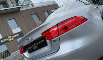 2017 JAGUAR XE 20d E-Performance Prestige full